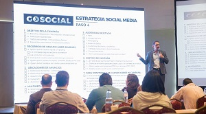 Conferencista-Social-Media-Marketing-Digital-Carlos-Lluberes-02